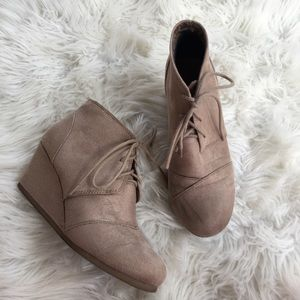 City Classified Tan Wedge Booties